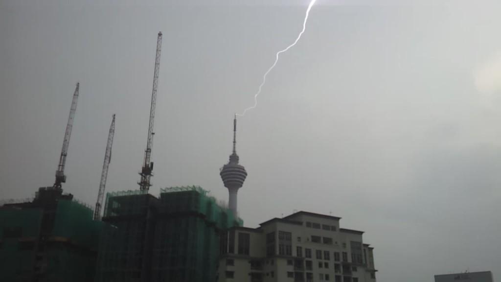 lightning0004